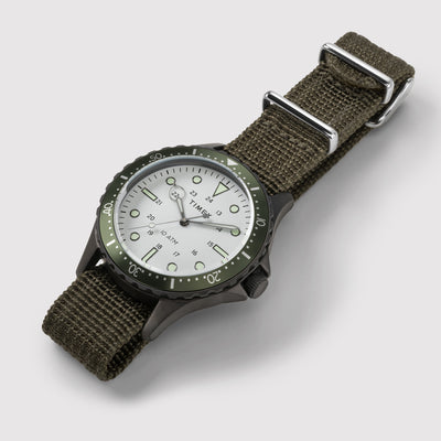 TIMEX Navi XL Quartz 41mm With White Dial And Green Bezel On Single-Piece Fabric Strap alternate image.