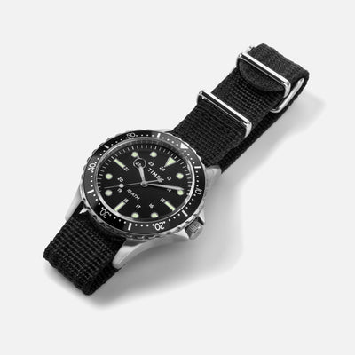 TIMEX Navi XL Quartz 41mm With Black Dial And Bezel On Single-Piece Fabric Strap alternate image.