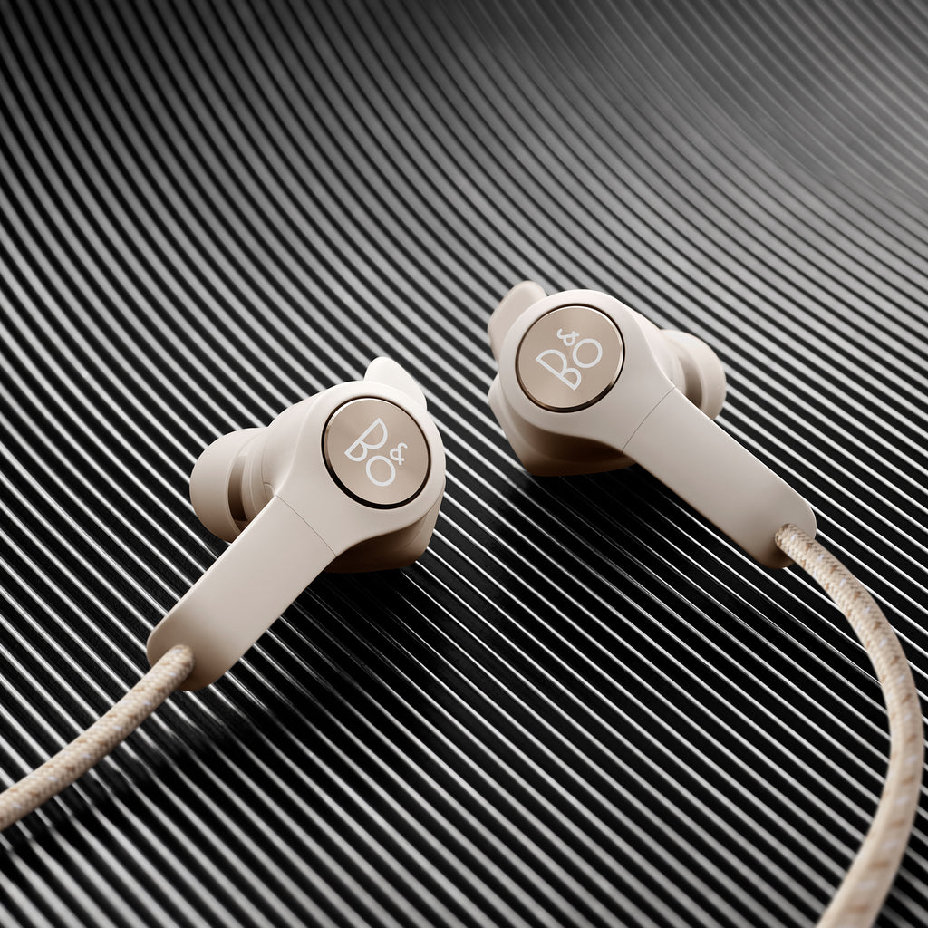 Bang & Olufsen Beoplay E6 Wireless Earphones In Sand