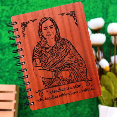A Teacher Is A Star Who Teaches Others How To Shine Personalized Wooden Notebook. This personalised diary with photo is the best gift for teachers day. This spiral notebook also makes a great birthday gift for teacher, farewell gift for teacher or thank you teacher gifts.