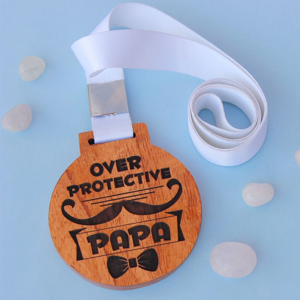 Overprotective Papa Wooden Medal - Medal Engraved on Mahogany Wood or Birch Wood - Funny Medals and Trophies - This is a great gift for fathers