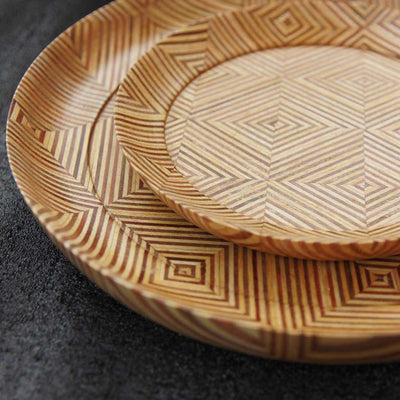 close up of wooden dinner plate made from patterned plywood by woodgeekstore