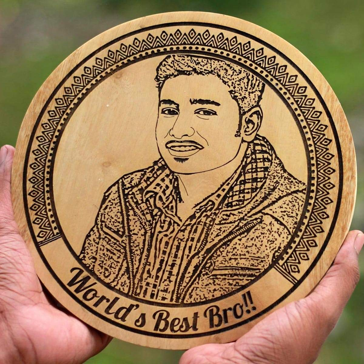 World's Best Bro Wood Engraved Photo. This photo engraved wooden frame is the best photo gift for brother. Looking for Rakhi gifts or birthday gifts for brother? This wooden poster is perfect.