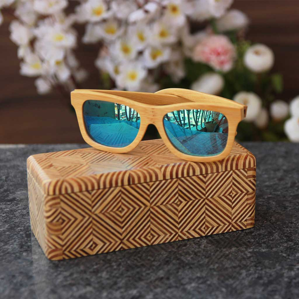 The Journeyman brown square wooden sunglasses - Blue mirror lens