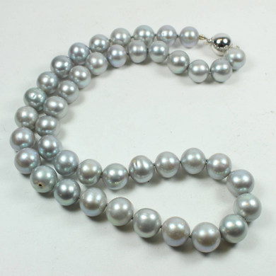 14ct White Gold Light Grey Freshwater Pearl Beaded Necklace