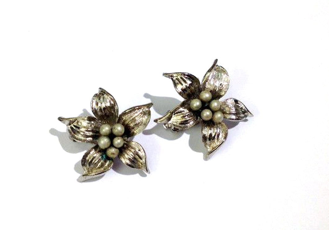Silver Tone Flower Screw Ons