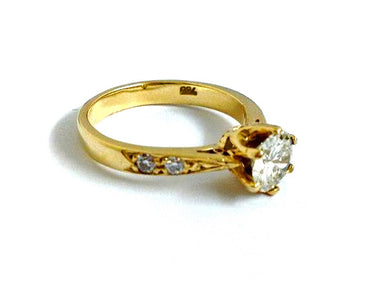 Natural Diamond and 18ct Yellow Gold Engagement Ring