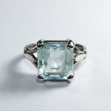 9ct White Gold Cushion Cut Aquamarine Dress Ring