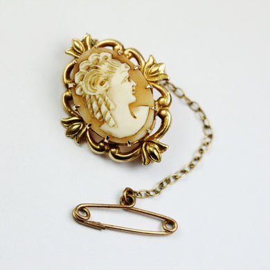 Art Nouveau Claw Set Conch Shell Cameo Brooch