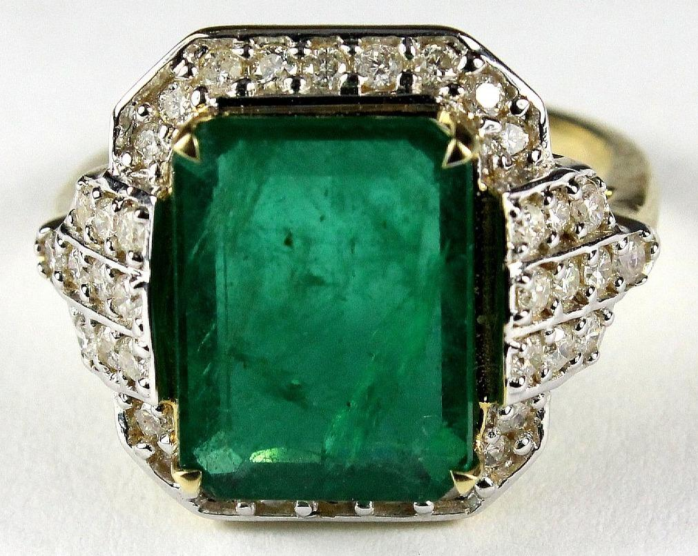 9ct Yellow Gold 8ct Columbian Emerald and Diamond Dress Ring