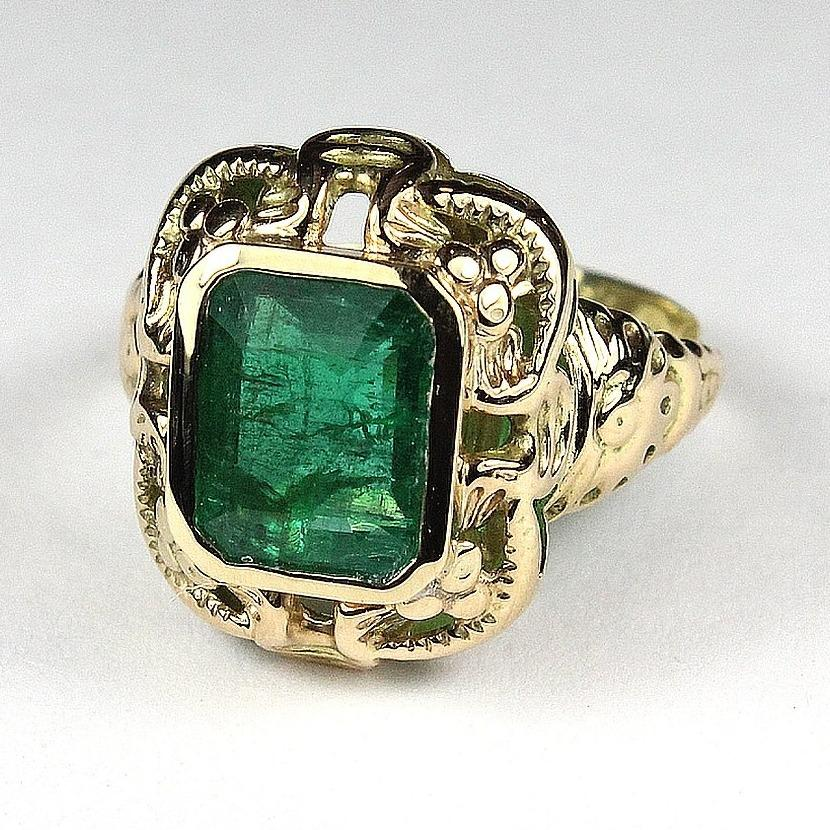 Antique 9ct Yellow Gold Emerald Ring