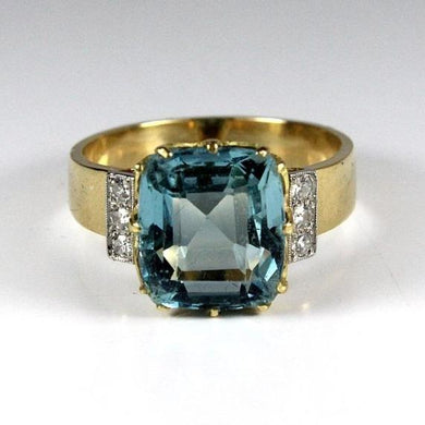 18ct Yellow Gold Aquamarine and Diamond Ring