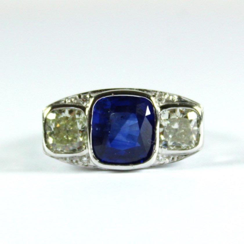18ct White Gold 4.21ct Cornflower Blue Sapphire and Diamond Ring