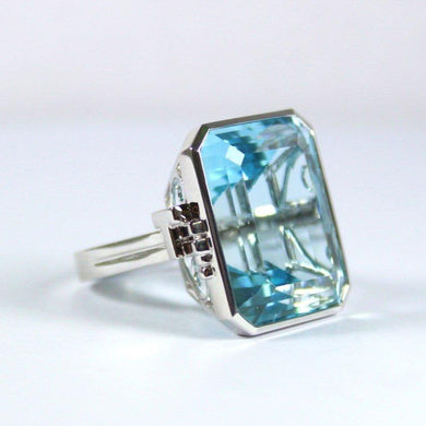 9ct White Gold Deco Style 48.89ct Aquamarine Cocktail Ring