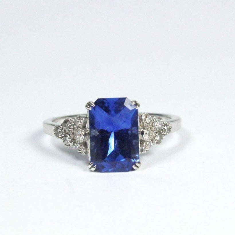 18ct White Gold 3.09ct Natural Blue Sapphire and Diamond Ring
