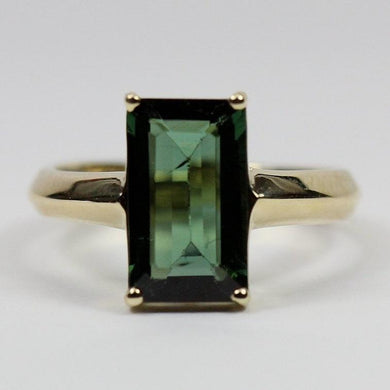 9ct yellow gold chrome green tourmaline baguette ring (3ct)