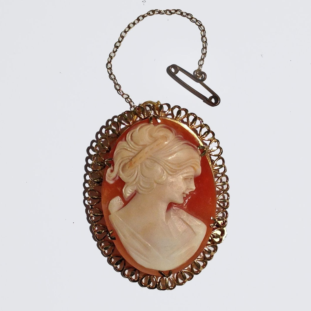 Antique 9ct Yellow Gold Conch Shell Cameo Brooch