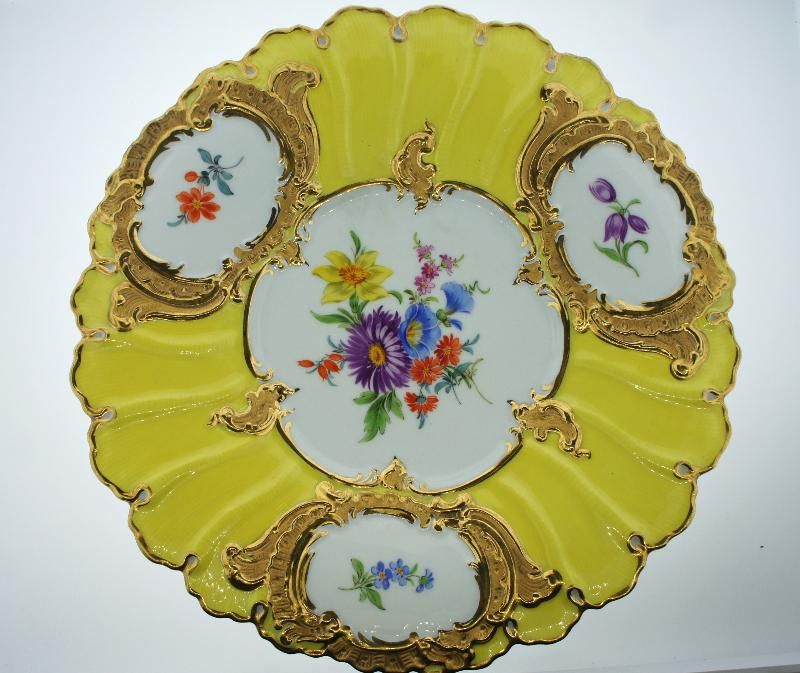 Meissen Circa 1920 Porcelain Decorative Wall Plate