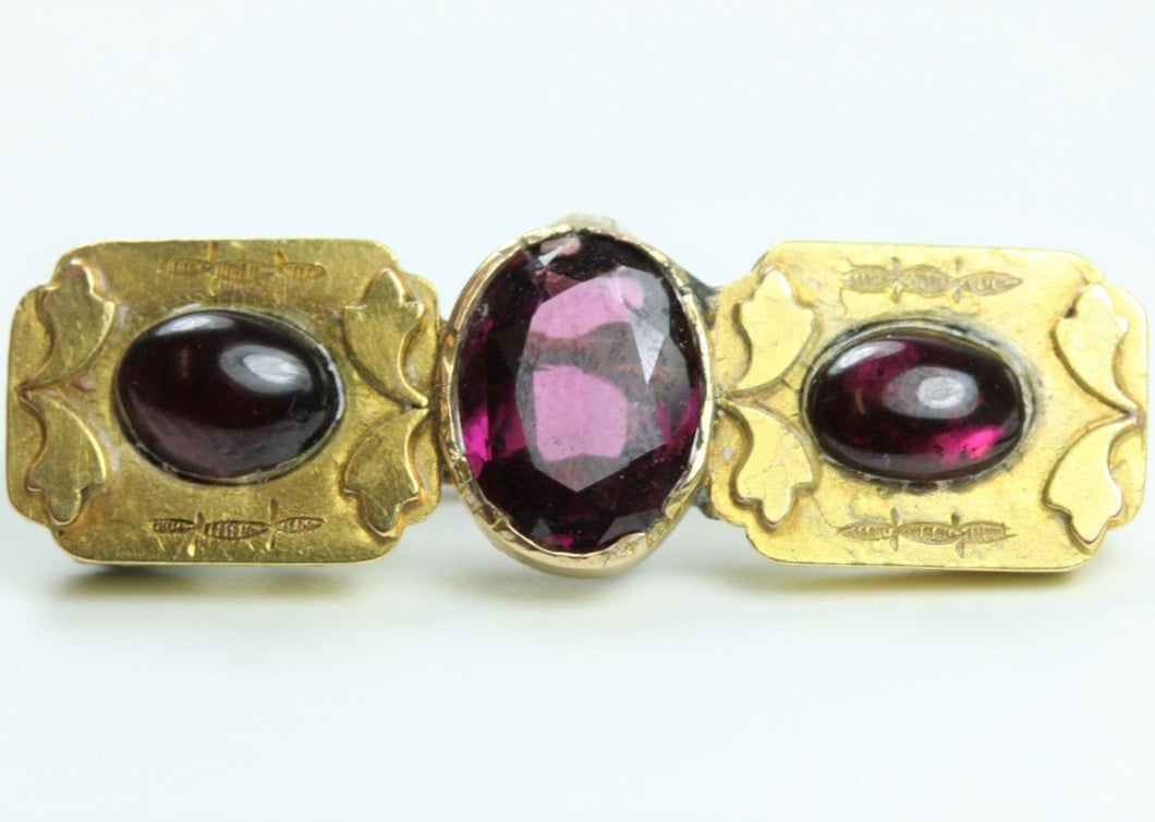 Antique 9ct Yellow Gold Cabochon Garnet Bar Brooch