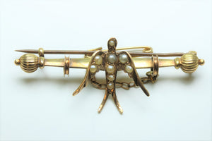 Pearl and 14ct Gold Bar Brooch