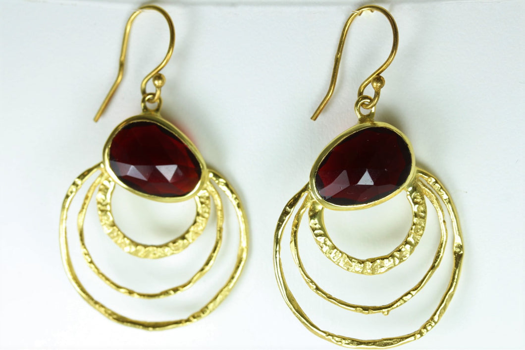 Red Glass Stone Set Earrings