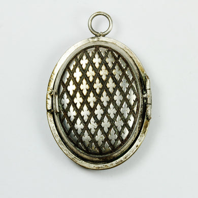 Sterling Silver Carved pattern  Locket