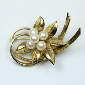 Elegant 9ct Yellow Gold Freshwater Pearl Floral Brooch