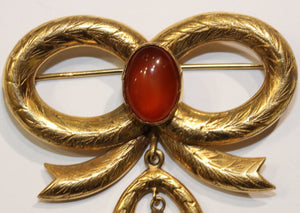 Antique 9ct Yellow Gold Carnelian and Onyx Bow Brooch