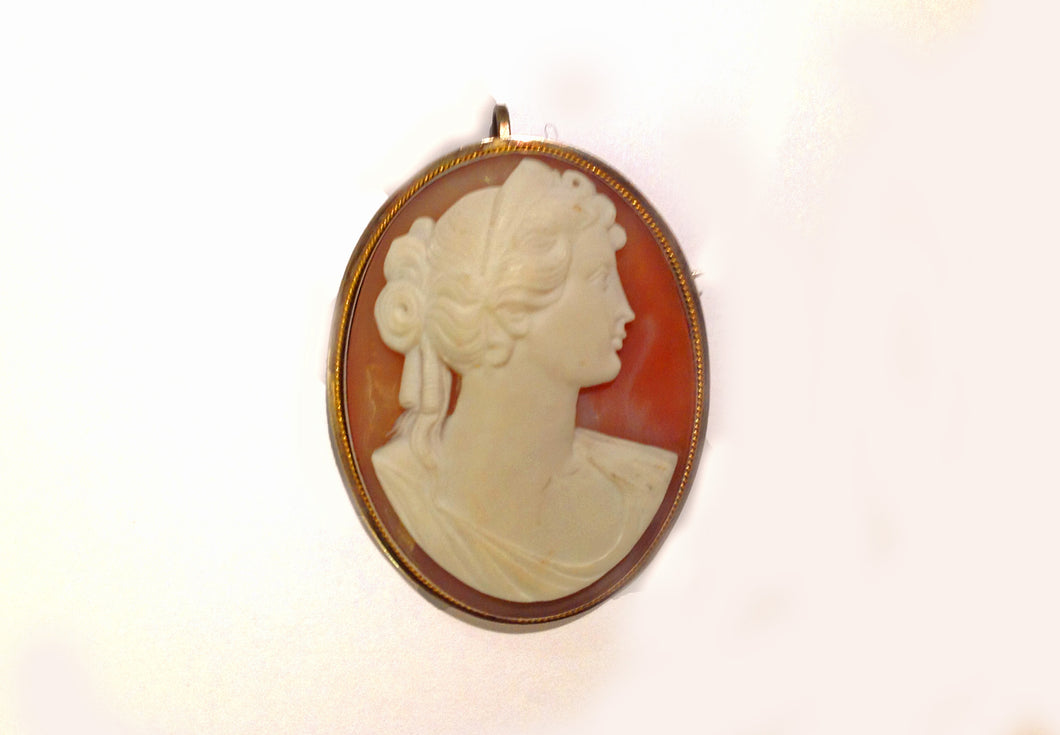 Flawless White Lady Conch Cameo in Silver