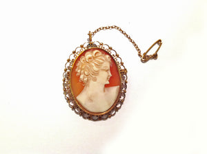 English Lady Conch Cameo with Gold Filagree