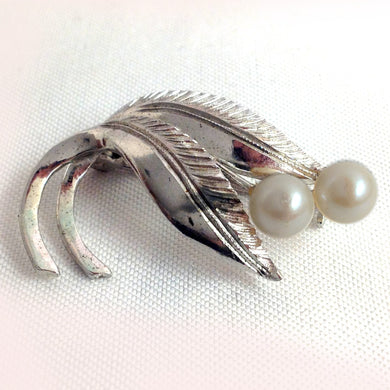 Art Deco Silver Etched Pearl Brooch