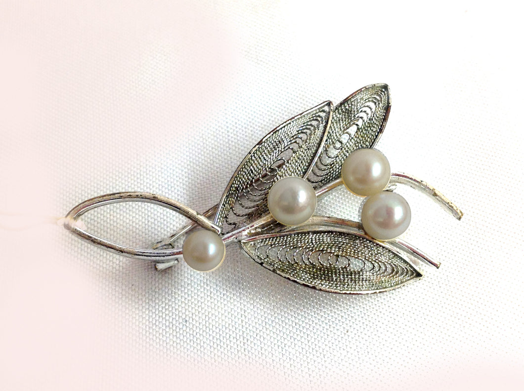 Sterling Silver Cultured Pearl Brooch
