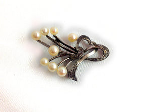Sterling Silver Brooch with 8 Cultured Pearls