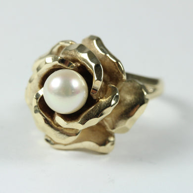Elaborate 10ct Yellow Gold Pearl Ring
