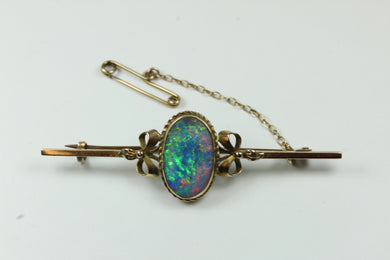 Elegant 9ct Rose Gold Opal Brooch