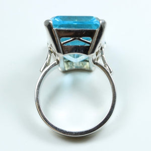9ct White Gold 25.83ct Swiss Blue Topaz Cocktail Ring
