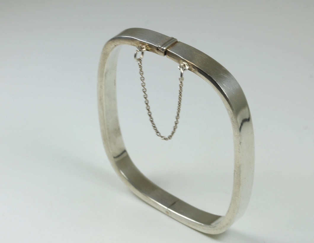 Rounded Corners Rectangular Sterling Silver Hinged Bracelet With Box Clasp And Safety Chain