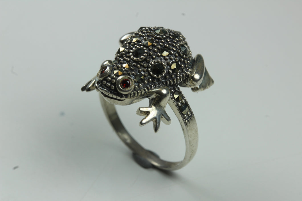 Sterling Silver Toad Marcasite Ring