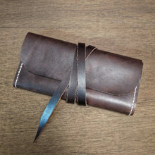 Load image into Gallery viewer, Tuscarora - Small Leather Clutch Purse - Caliber Leather Company
