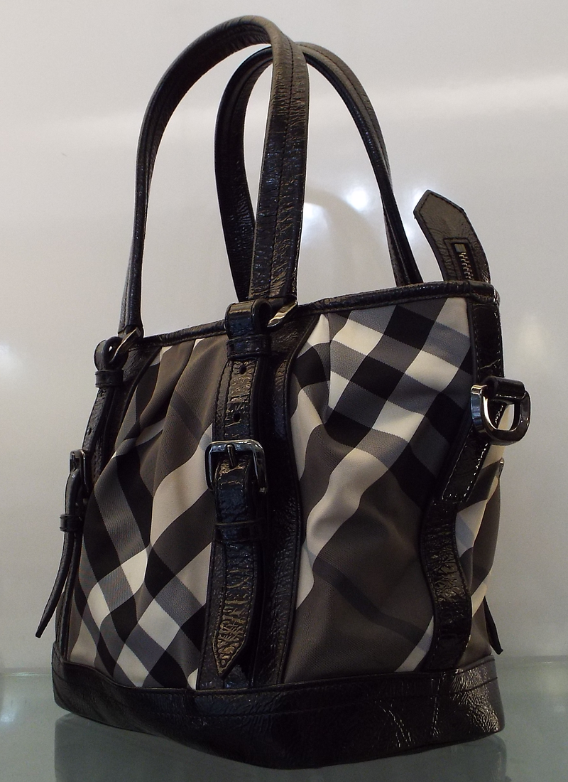 BURBERRY BEAT CHECK LOWRY BAG