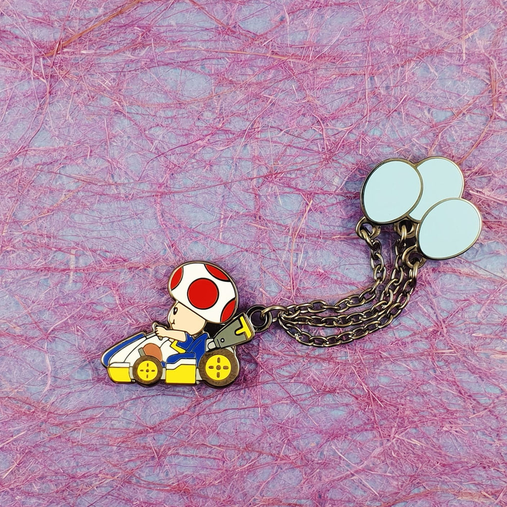 Toad Balloon Battle Mode Pin with Chain