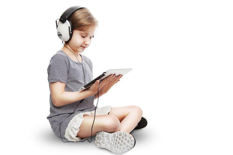Em_s_4_Kids_Audio_Headphones_iPad_R736RNA3GAC1_RZCK6T6O75EC.jpg