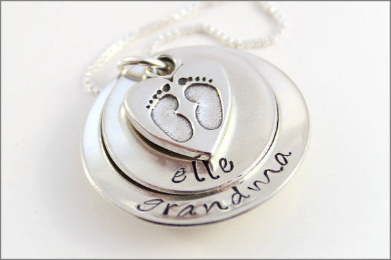 Grandma Necklace with Name and Baby Feet