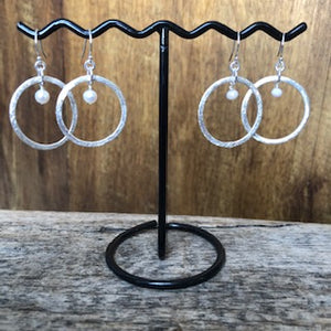 Circle with Accent Earrings - Pearl/Crystal
