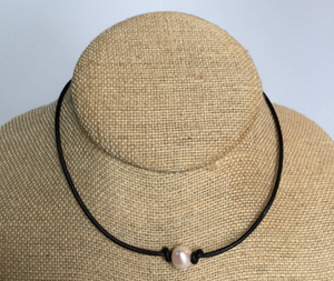 Leather - Choker Necklace with Pearl
