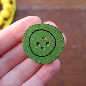 Green button brooch by Laura Lee Designs in Cornwall