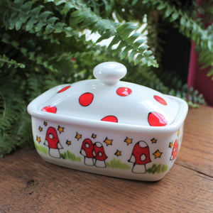 Laura Lee designs Mushroom butter dish