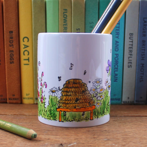 Beekeepers pen pot hand painted by Laura Lee