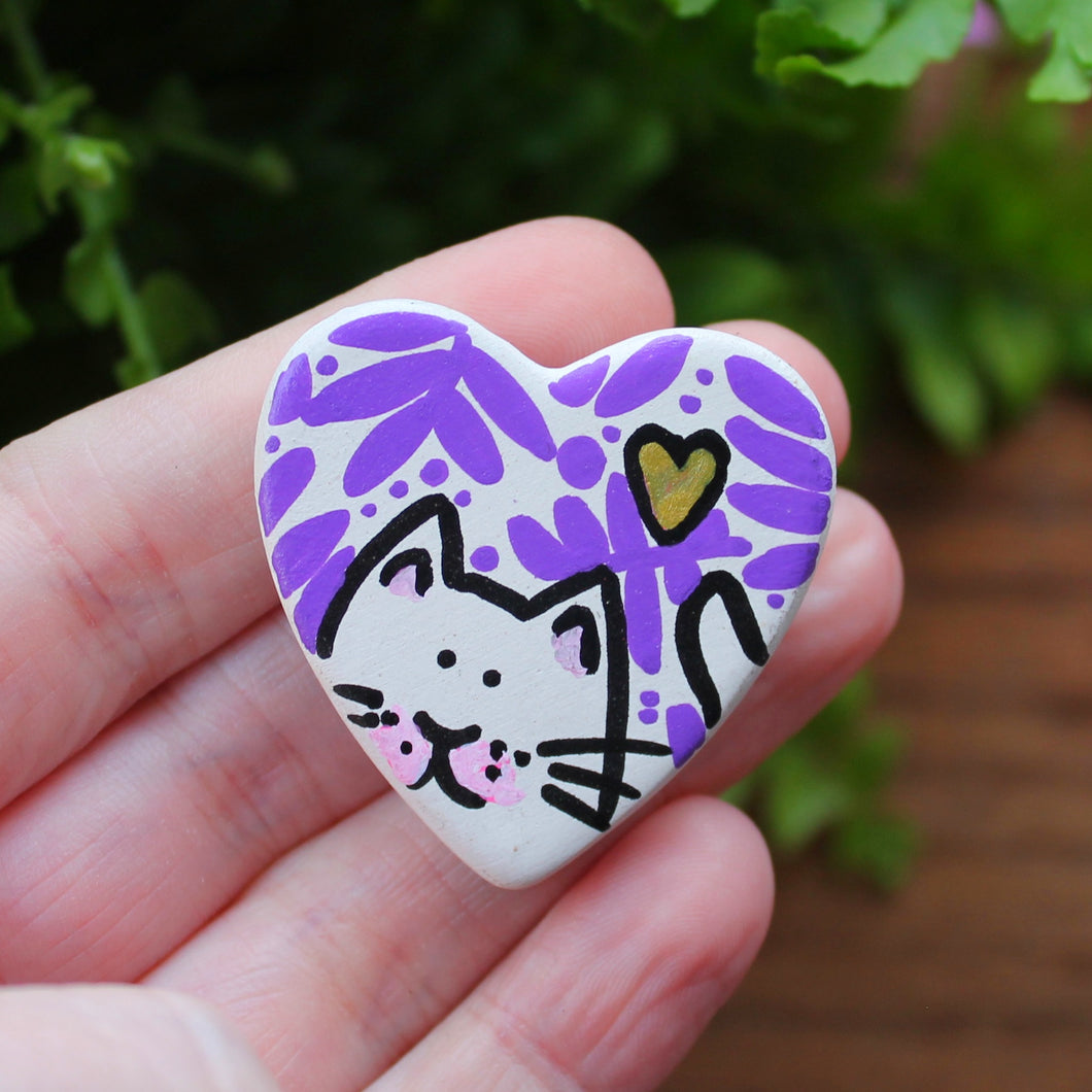 Purple ferns and a gold heart white cat magnet