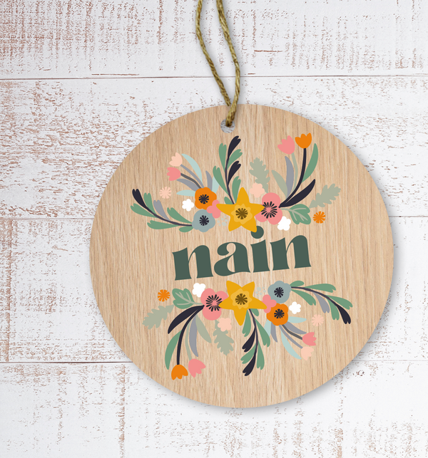 Nain (Grandmother) Painted Wooden Gift Decoration